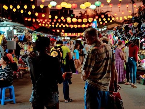 Mua gì ở chợ đêm Nha Trang?