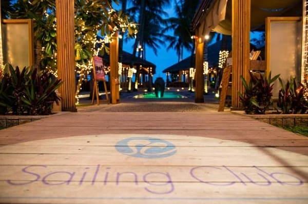 Sailing Club Café - Quán cafe view biển ở Nha Trang cho những buổi hẹn hò
