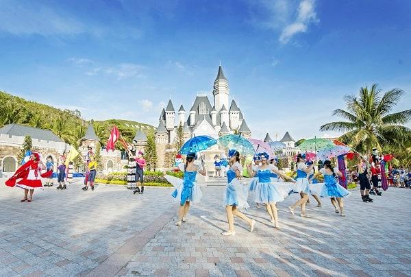 Kinh nghiệm du lịch Nha Trang tháng 4: Có nên đi du lịch Nha Trang tháng 4 hay không?