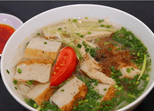 Quán Cây Bàng - Địa chỉ ăn bún cá Nha Trang nổi tiếng