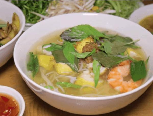 Bún cá Cô Ba - Địa chỉ ăn bún cá Nha Trang ngon nhất