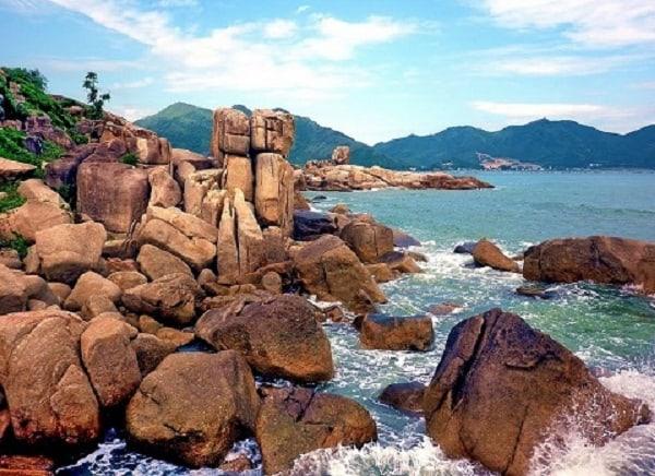 Hòn Chồng – Địa điểm chụp ảnh đẹp nhất ở Nha Trang