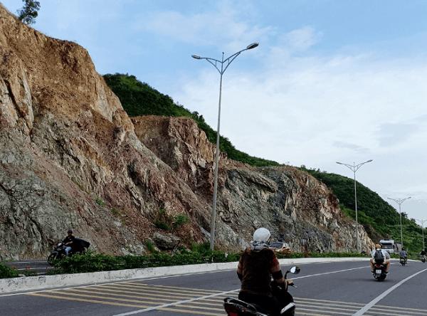 Dốc Lết ở đâu? Hướng dẫn đường đi phương tiện di chuyển tới Dốc Lết