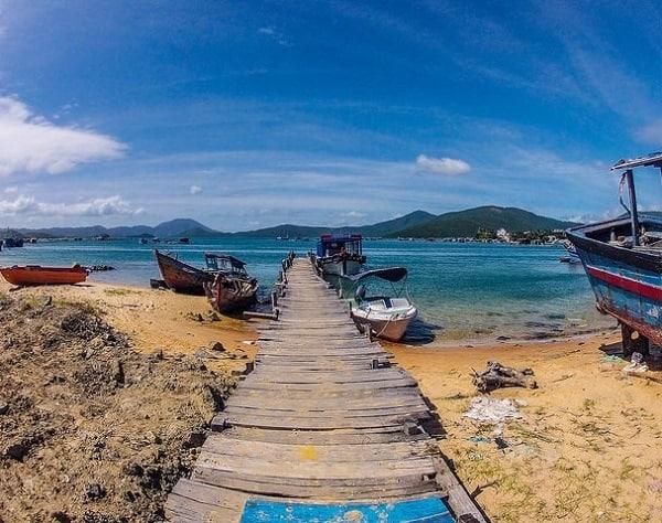 Các làng chài nổi tiếng ở Nha Trang chơi vui, ăn hải sản ngon. Nên tới thăm làng chài nào ở Nha Trang? cảnh đẹp, đồ ăn ngon nhiều.
