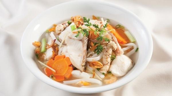 Bánh canh Hai cá - quán bánh canh ngon nức tiếng đường Nguyễn Thị Minh Khai Nha Trang