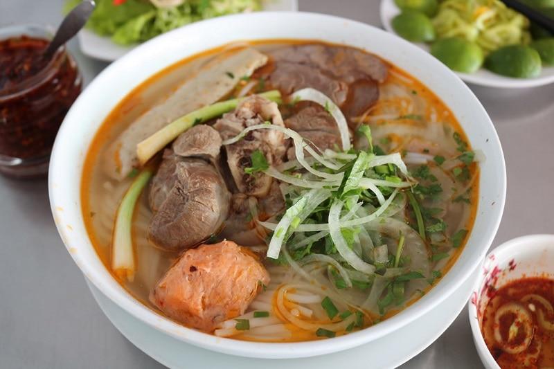 Địa điểm ăn uống ngon ở quận 10. Bún Bò Huế Anh Hùng. Các địa điểm ăn uống ở quận 10.