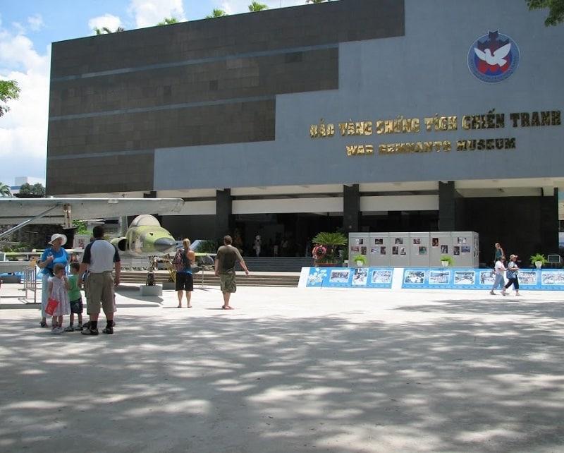 Địa điểm du lịch giá rẻ ở Sài Gòn. Bảo tàng chứng tích chiến tranh TP Hồ Chí Minh