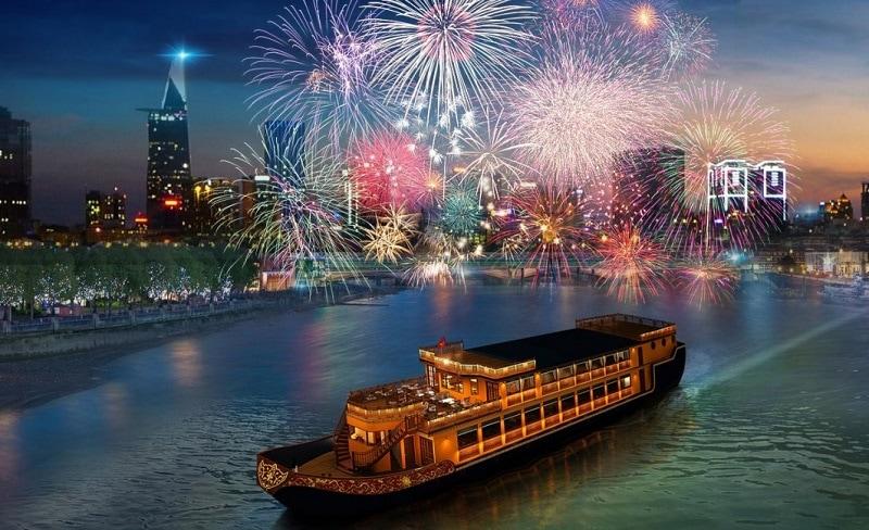 Du lịch Sài Gòn đi đâu chơi gì? Đi du thuyền trên sông Sài Gòn