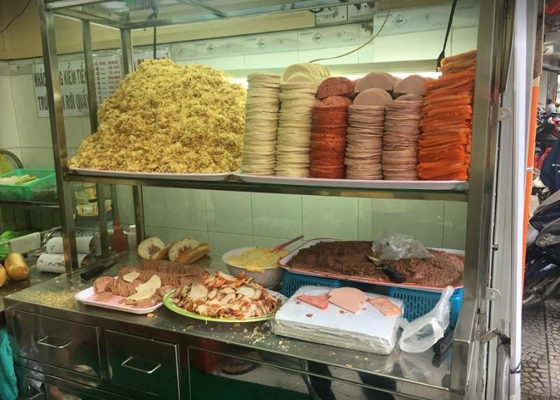 Quận 1 có gì ăn? Ẳn gì ở quận 1 Sài Gòn? Bánh mì Hồng Hoa