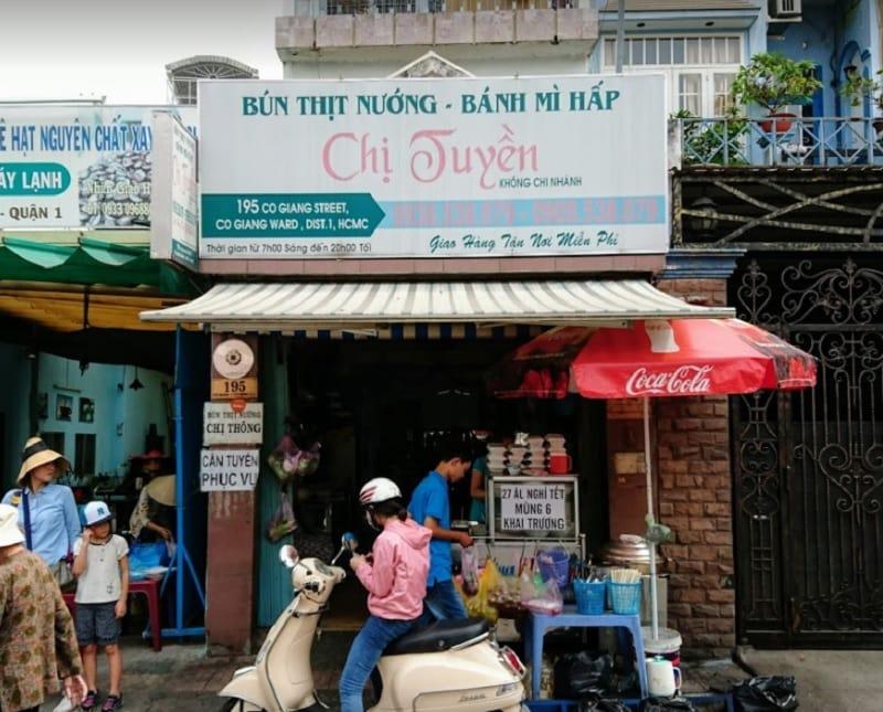 Ăn gì ở quận 1 Sài Gòn? Các quán ăn ngon rẻ ở quận 1. Bún thịt nướng chị Tuyền