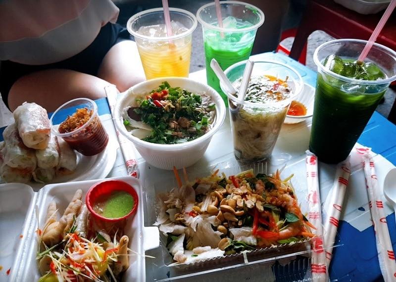 Ăn gì ở quận 1 Sài Gòn? Khu ăn vặt quận 1. Hẻm 76 Hai Bà Trưng