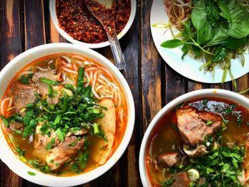 Ăn gì ở quận 1 Sài Gòn? Các quán ăn ngon quận 1. Quán bún bò Huế Bùi Thị Xuân