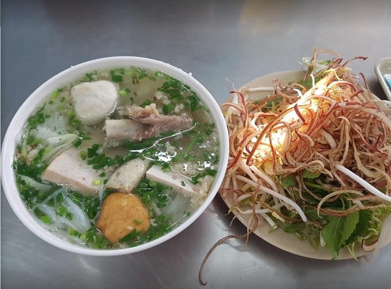 Ăn gì ở quận 1 Sài Gòn? Ăn uống quận 1. Bún mọc Thanh Mai
