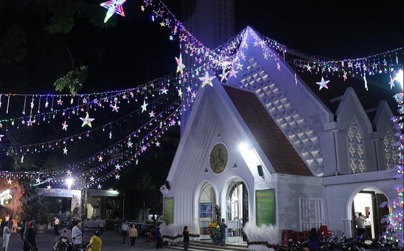 Địa điểm đón giáng sinh ở Sài Gòn. Nhà thờ dòng Chúa cứu thế. Các địa điểm đón giáng sinh ở tphcm