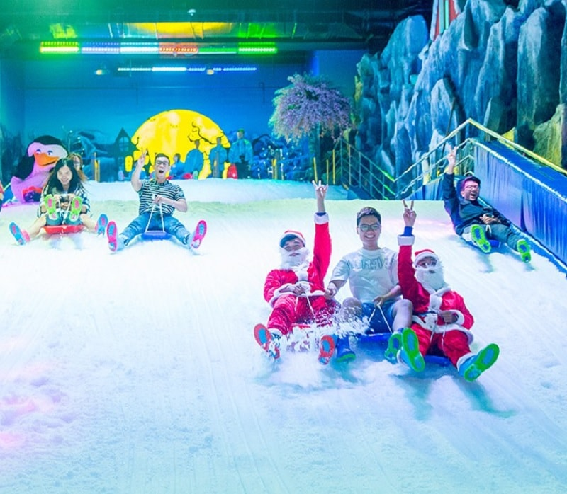 Địa điểm đón giáng sinh ở Sài Gòn. Khu vui chơi ở Sài Gòn dịp Noel. Snow Town