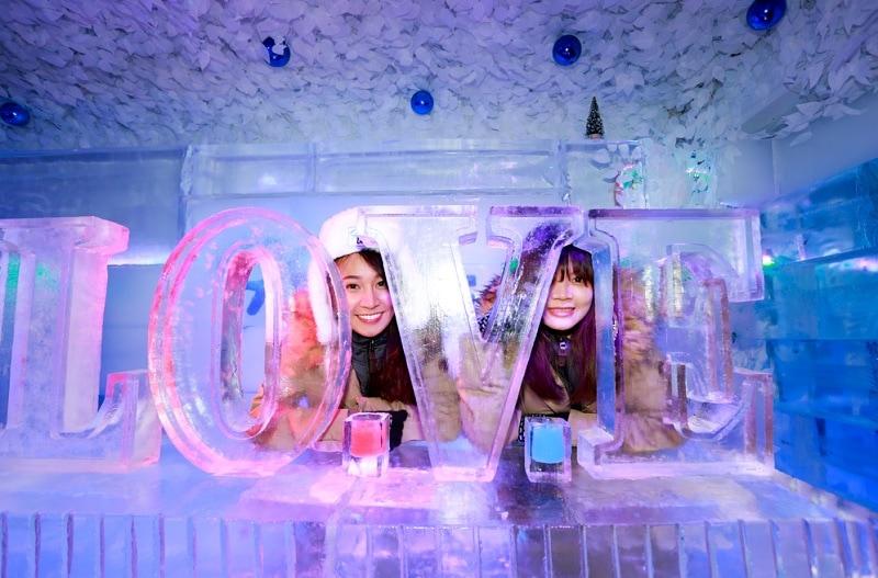 Địa điểm đón giáng sinh ở Sài Gòn. Chụp hình giáng sinh ở Sài Gòn. Ice Coffee - Quán cafe Băng