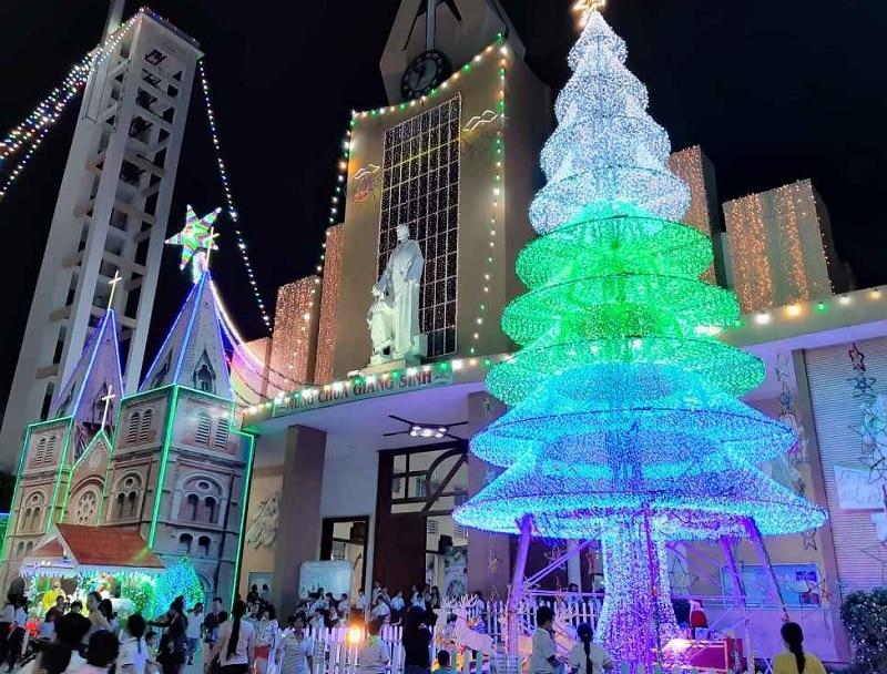 Du lịch Sài Gòn dịp giáng sinh nên đi đâu? Xóm đạo Gò Vấp. Địa điểm đón giáng sinh ở Sài Gòn