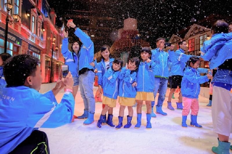 Khu vui chơi giáng sinh ở Sài Gòn. Snow Town. Địa điểm đón giáng sinh ở Sài Gòn