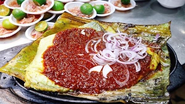 Cá đuối nướng sốt sambal là món ăn ngon, đặc trưng ở Singapore