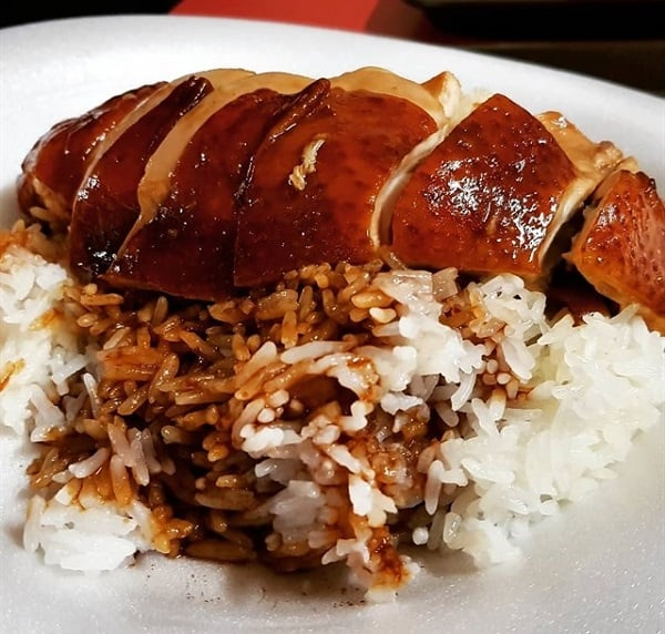 Cơm gà - món ăn truyền thống của Singgapore