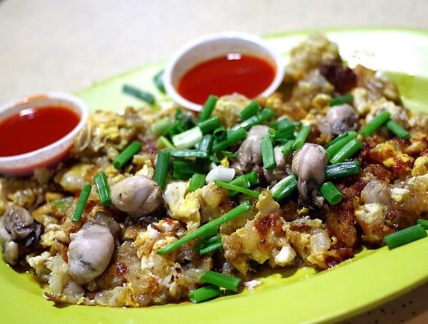 Hàu tráng trứng (Orh Lua) - món ăn vặt phổ biến ở Singapore