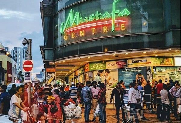 Mustafa Centre, địa chỉ mua đồ lưu niệm Singapore nổi tiếng