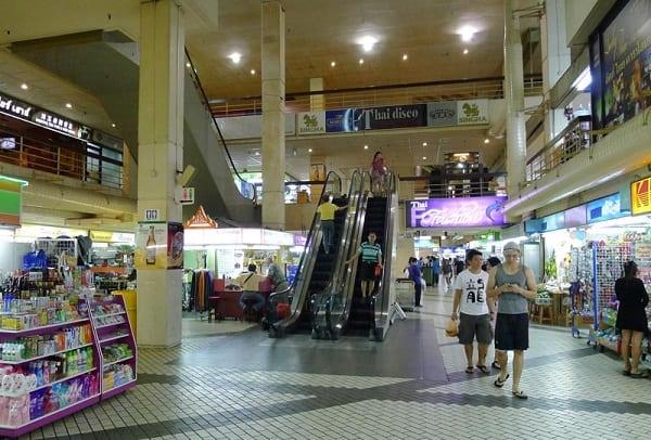 Golden Mile Complex, địa chỉ mua sắm giá rẻ ở Singapore chuyên đồ Thái Lan