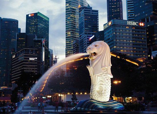 Merlion là biểu tượng của Singapore,vì thế đây cũng là địa điểm du lịch ở Singapore hoàn toàn miễn phí