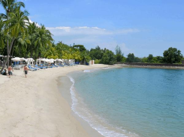 Tham quan bãi biển Sentosa là một kinh nghiệm du lịch đảo Sentosa không thể bỏ qua