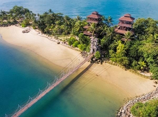 Kinh nghiệm du lịch đảo Sentosa, bãi biển Palawan với cây cầu treo nổi tiếng