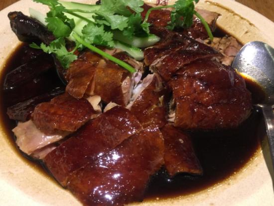 Top nhà hàng, quán ăn ngon ở sân bay Changi CỰC đông khách. Nên ăn gì ở sân bay Changi? Địa chỉ ăn uống nổi tiếng ở Changi.