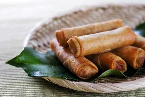Những món ăn vặt ở Singapore. Đồ ăn vặt phải thử ở Singapore. Chả giò Tai Sun