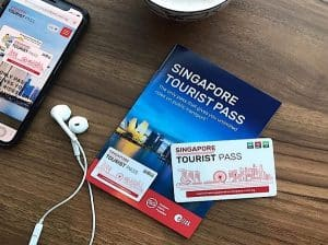 Nên sử dụng thẻ Singapore Tourist Pass hay thẻ EZ Link?