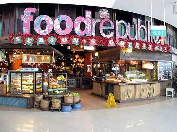 Food Republic là khu ăn uống lớn ở trung tâm thương mại VivoCity