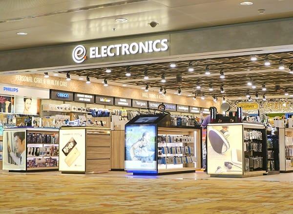 Mua hàng duty free ở sân bay Changi, mua đồ điện tử miễn thuế ở Cameras Electronics Computers by Sprint-Cass