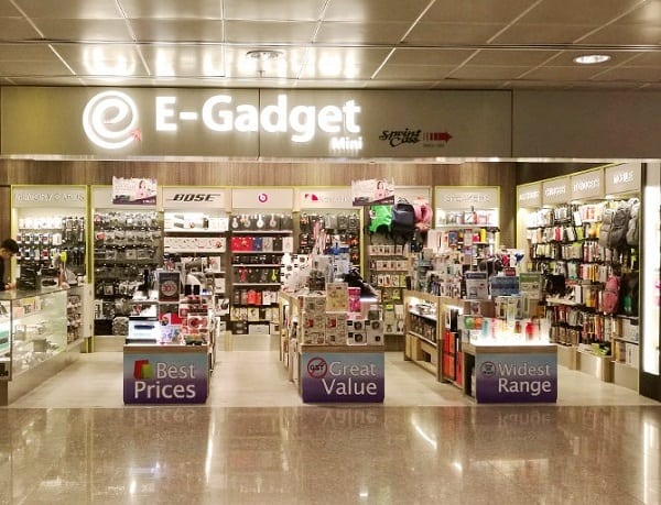 Mua hàng miễn thuế ở sân bay Changi, cửa hàng E-Gadget Mini