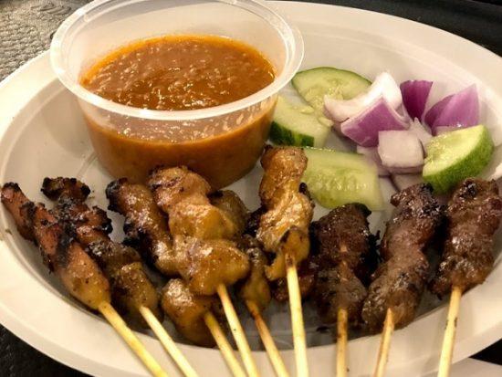 Ăn gì ở Sentosa Singapore? Đến Sentosa nên ăn gì ngon. Thịt xiên nướng Satay