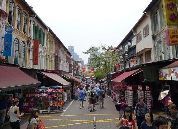 Du lịch Singapore 1 ngày nên đi đâu? Chợ đường phố Chinatown Singapore