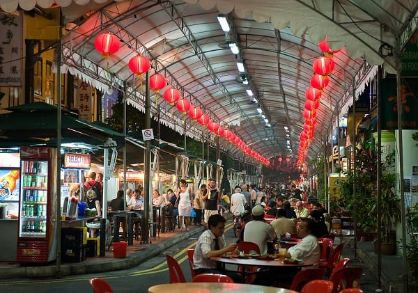 Chơi gì ở Singapore 1 ngày, ăn trưa tại phố ẩm thực Smith Street