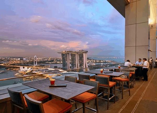 Địa điểm xem pháo hoa ở Singapore lãng mạn, sang trọng: các Nhà hàng, quán bar tầng thượng