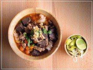 Ăn món gì ngon ở Chiang Rai: Khanom Jeen Nam Ngeow là món bún truyền thống đặc trưng của người dân phương Bắc Thái Lan