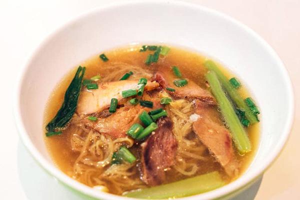 Địa điểm ăn đồ Thái ngon nhất Bangkok, thưởng thức mỳ tại Sawang Noodle