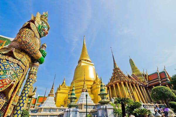 Wat Phra Kaew - Ngôi chùa nổi tiếng trong cung điện Hoàng gia Thái Lan
