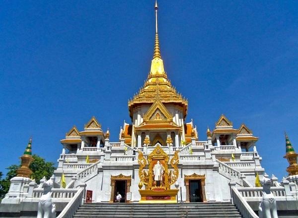 Điểm đến nổi tiếng khi du lịch BangKok: Chùa Phật Vàng