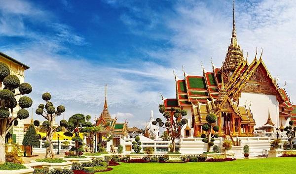 Tham quan cung điện hoàng gia là hoạt động nên thử khi đi BangKok