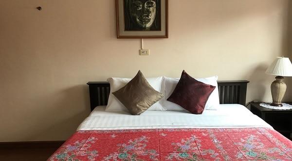 Kinh nghiệm du lịch Chiang Mai tự túc giá rẻ. Nhà nghỉ Baan Klang Vieng
