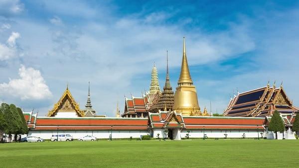 Di chuyển đến cung điện hoàng gia Thái Lan bằng phương tiện nào?