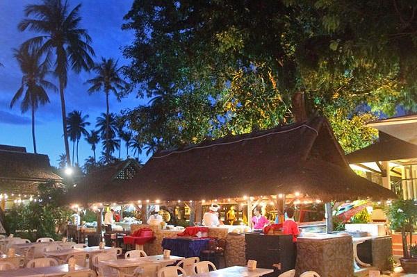 Kinh nghiệm du lịch Koh Phi Phi, nên ăn món gì? nhà hàng nào ở Koh Phi Phi ngon?