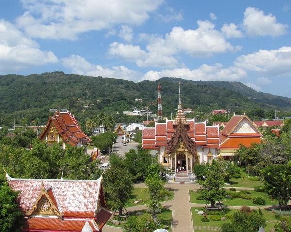 Kinh nghiệm du lịch Phuket tự túc: Địa điểm tham quan hấp dẫn, nổi tiếng ở Phuket. Wat Chalong