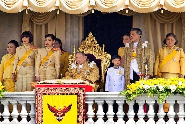 Đến Thái Lan du lịch cần lưu ý điều gì? Tôn trọng nhà vua và hoàng gia
